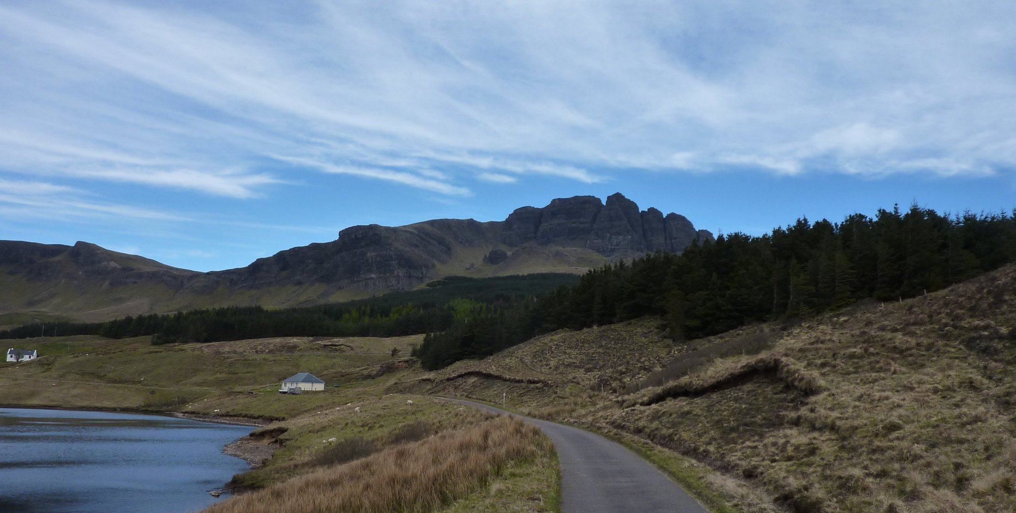 A deceptively blue background to the Storr, from the power station access road