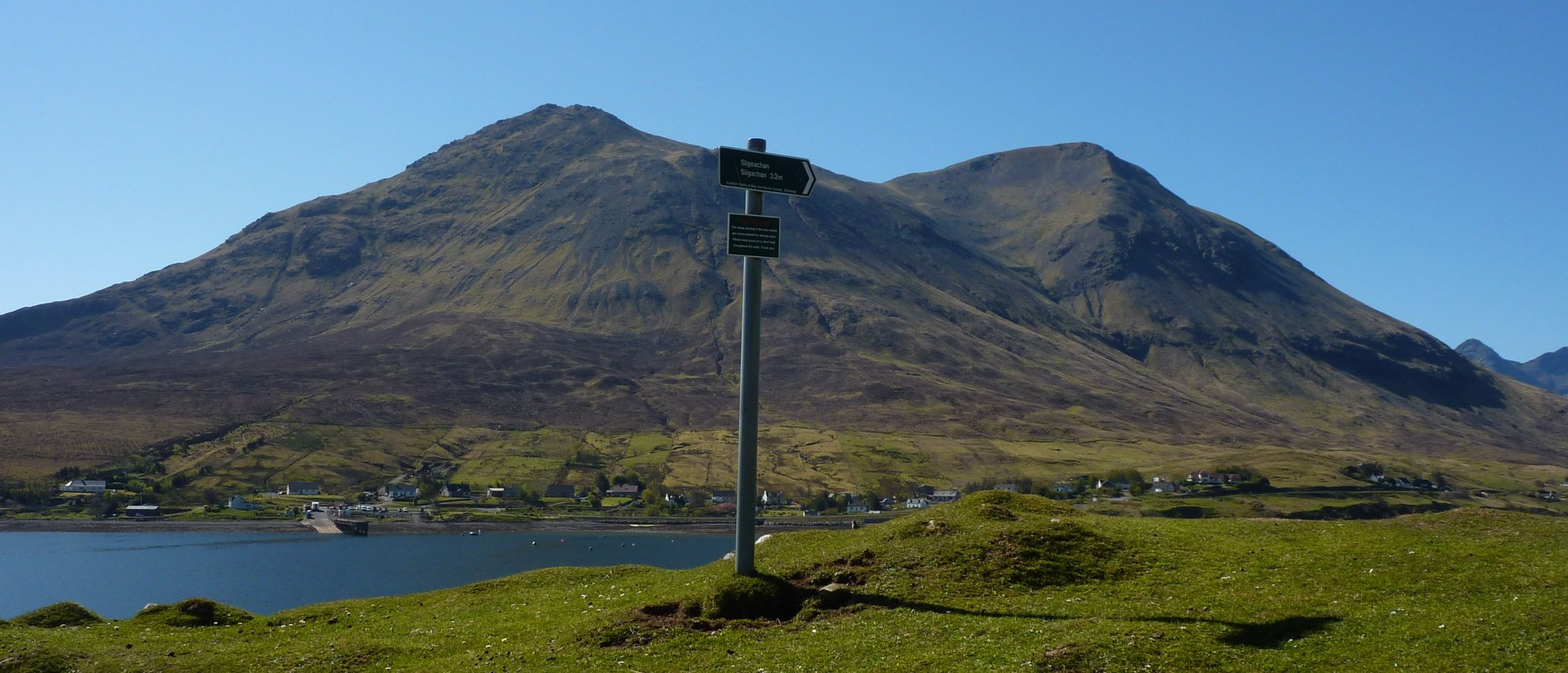 Scotways sign, pointing to Sligachan