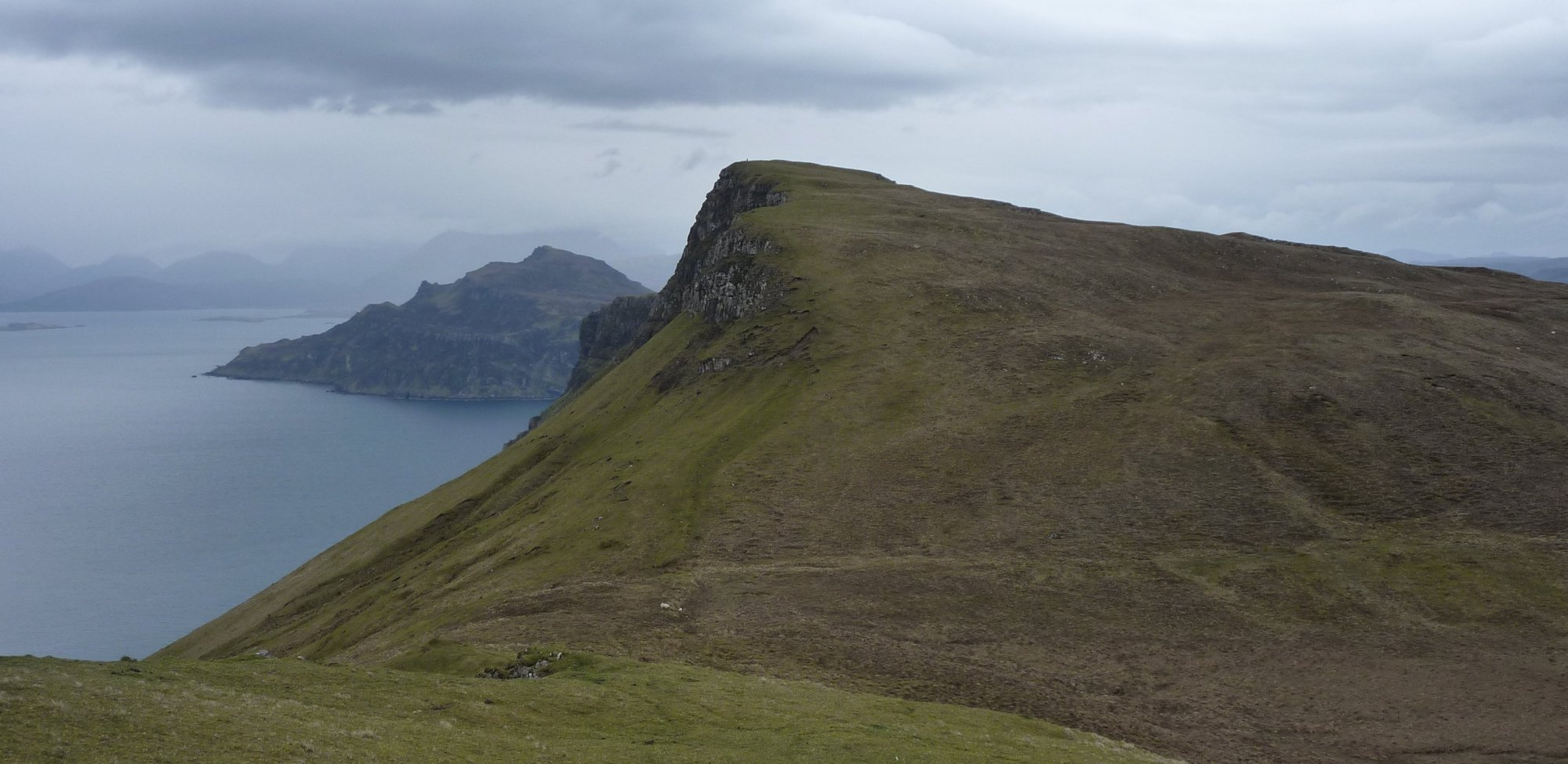 One final push to the top, Ben Tianavaig sticking it's head into the shot behind