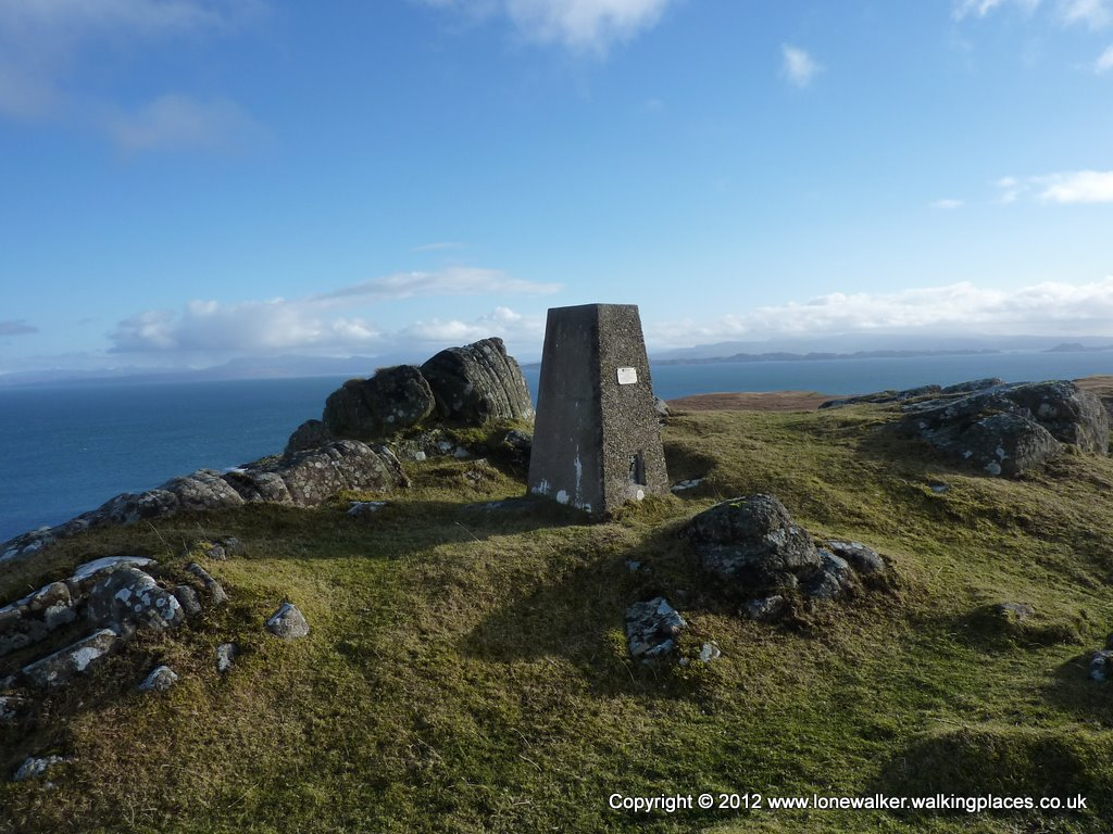 Culnaknock Trig point on Skye