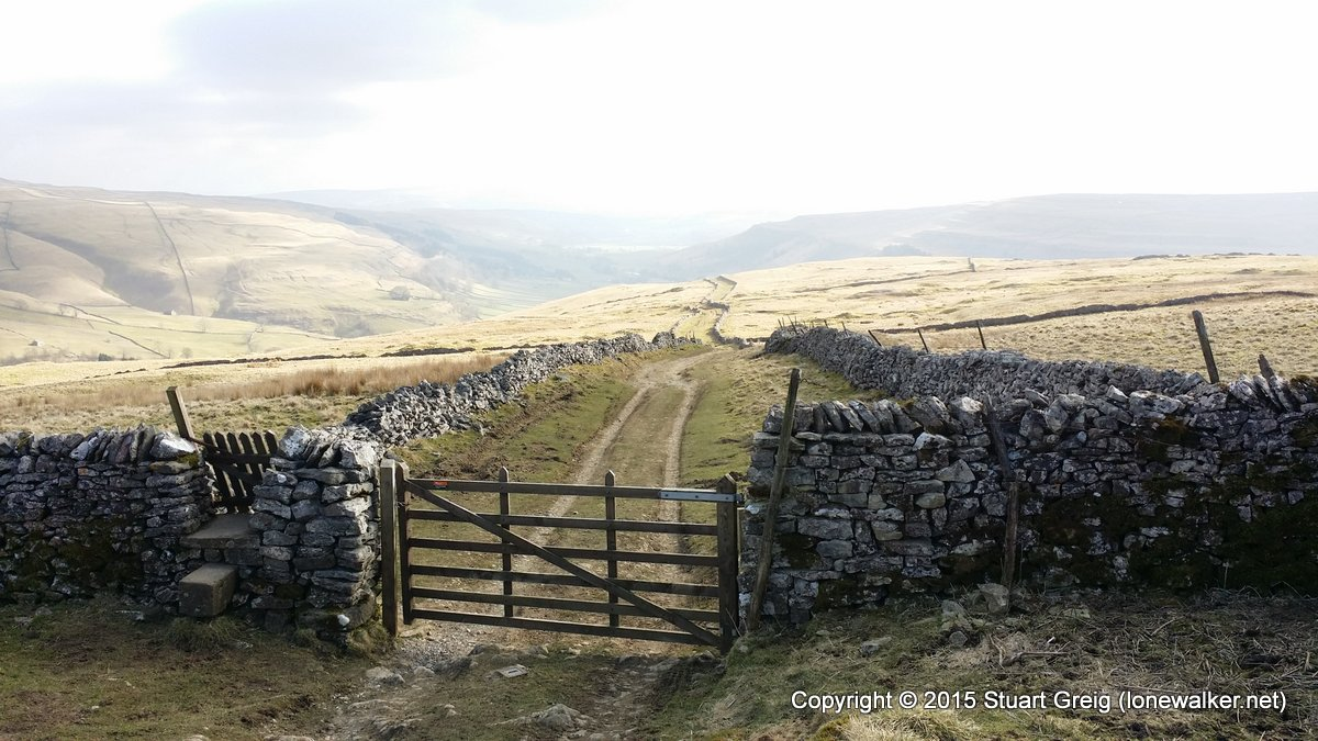 Top Mere Road leading down into Kettlewell