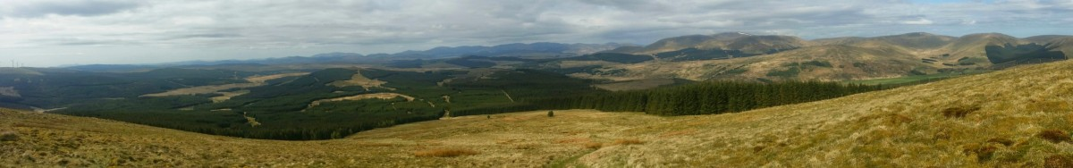 Panorama from the ascent of benbrack