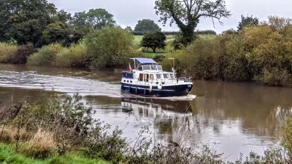 Cabin cruiser on the River Ouse