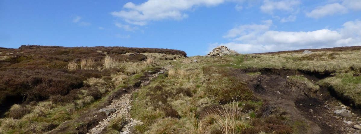 Cairn on Howden Edge