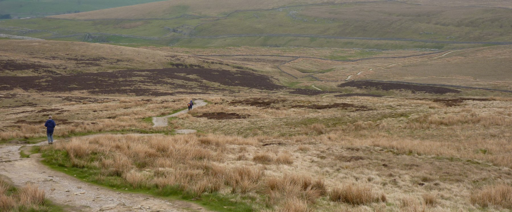 The long, tough descent from Pen-y-ghent to Horton-in-Ribblesdale