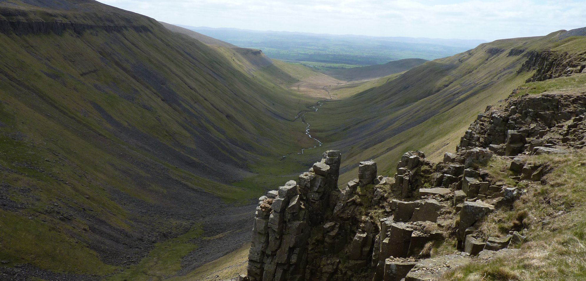 Looking down into High Cup Gill with High Cupgill Beck running through it
