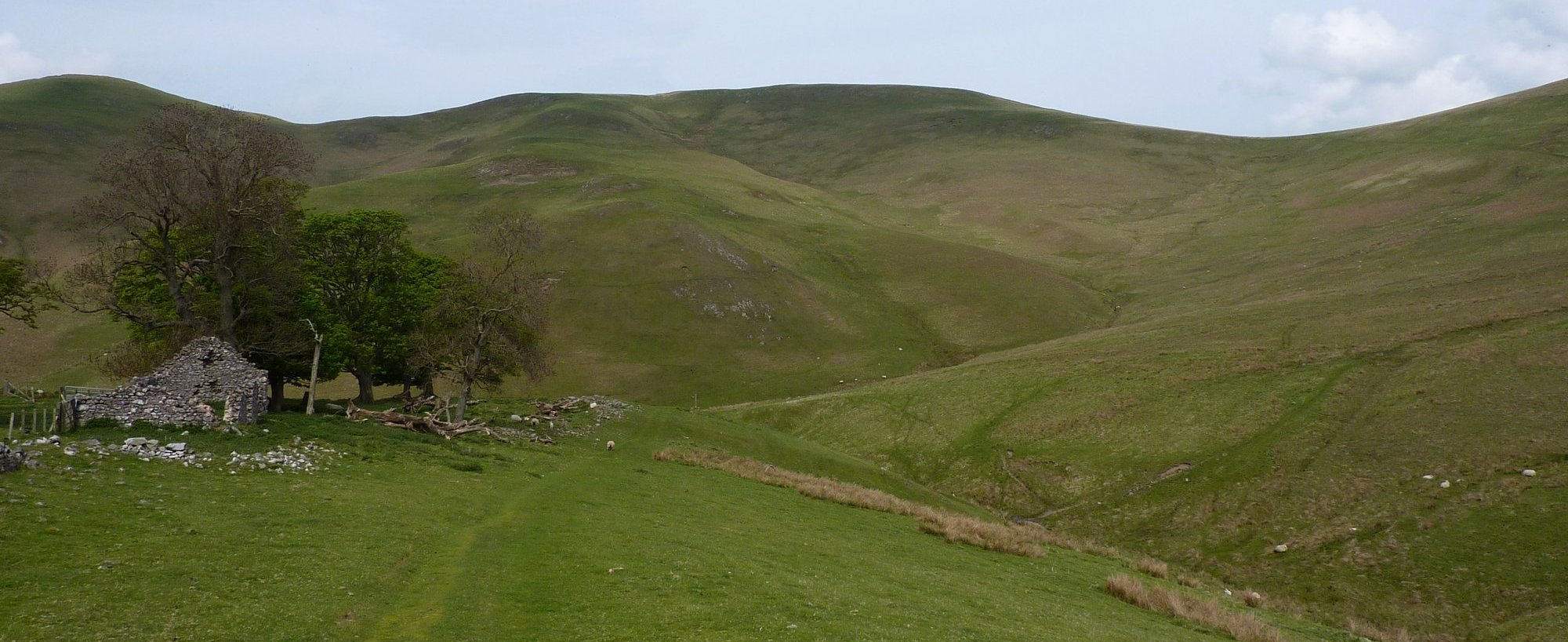 On final approach to Kirk Yetholm