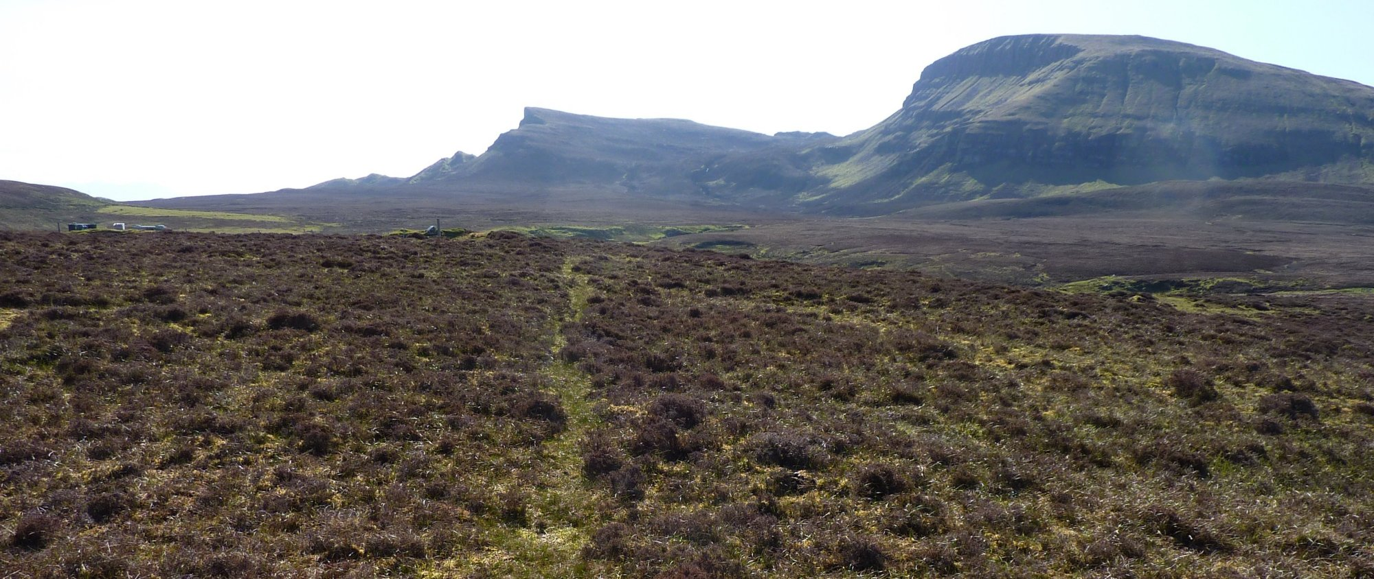 Skirting Cnoc Roll, heading for the pointy buttress