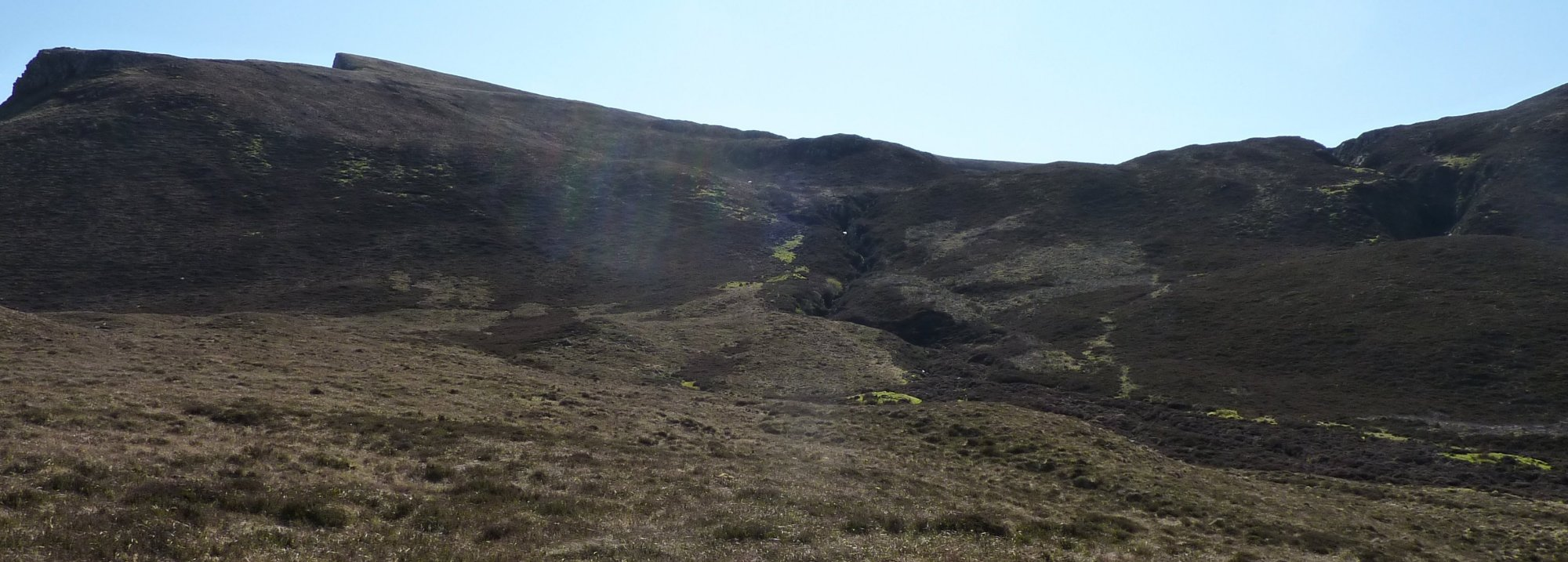 I aimed for the green 'path' up beside the left-most burn on the saddle