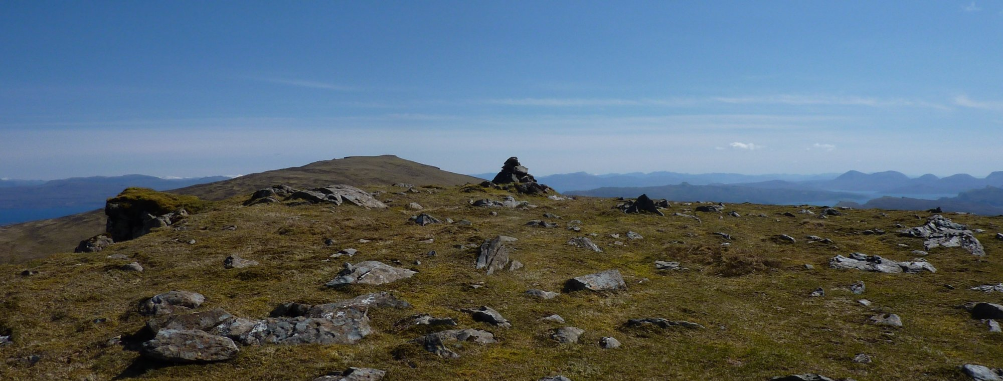 The small cairn on Hartaval summit