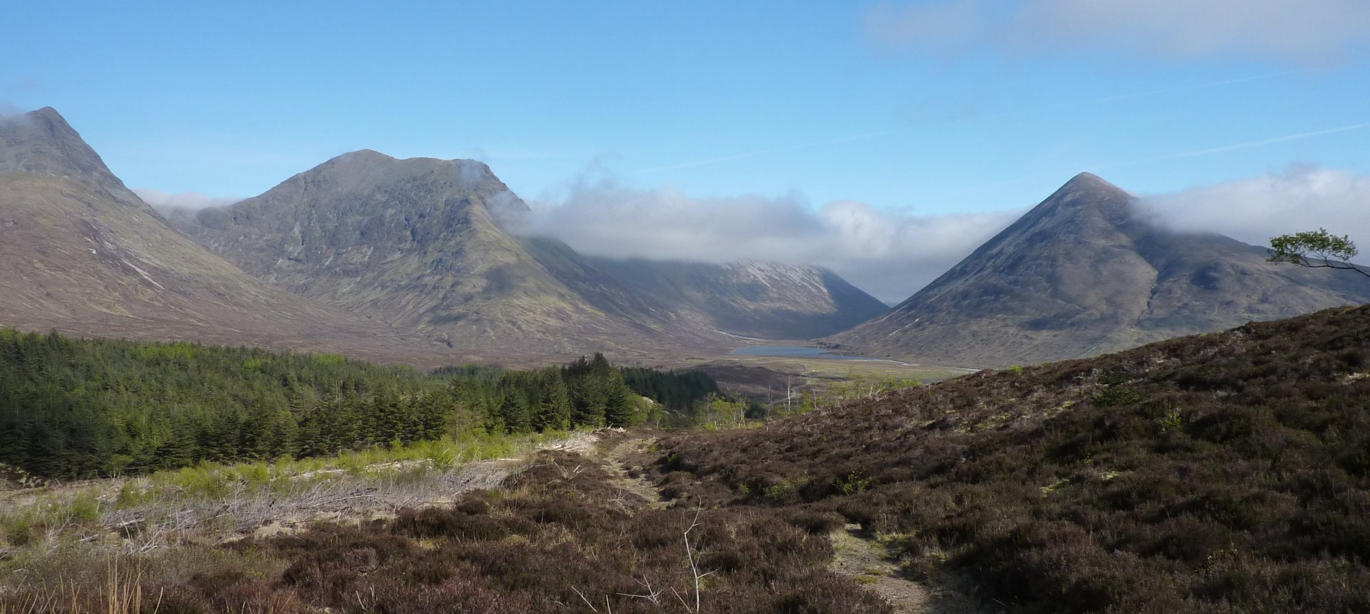 From left to right: Bla Bheinn, Sgurr nan Each, Belig (under cloud), Beinn na Cro