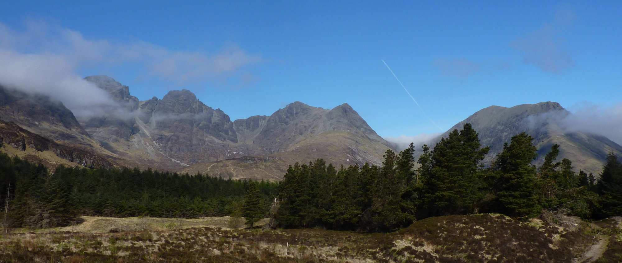 The path soon reveals the full splendour of Bla Bheinn