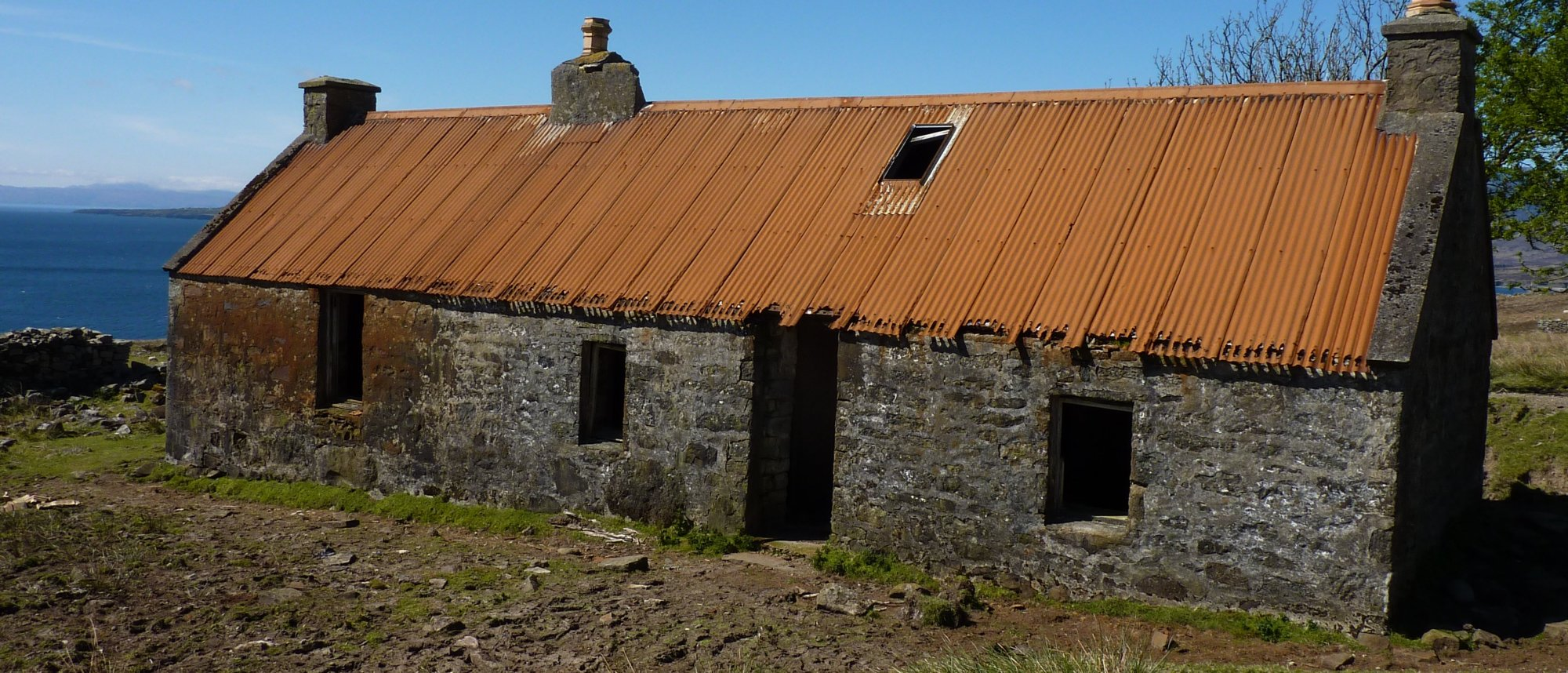 Decaying building at Suisnish, a shelter for sheep and desperate walkers