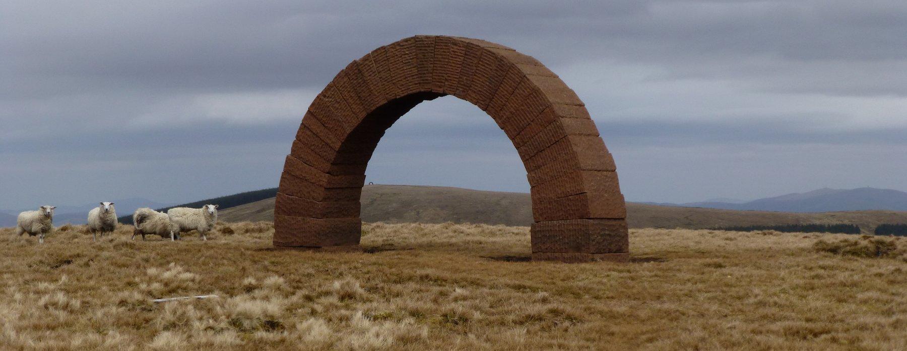 Wonderful stone arch on Benbreak