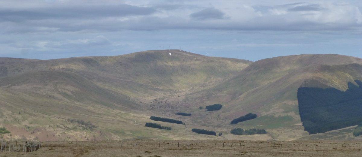 Views from the ridge walk between Benbrack and Colt Hill
